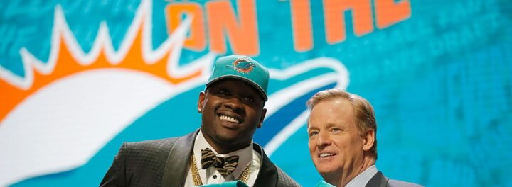 An Innapropriate Tweet Cost Laremy Tunsil $8-13 Million At The NFL Draft