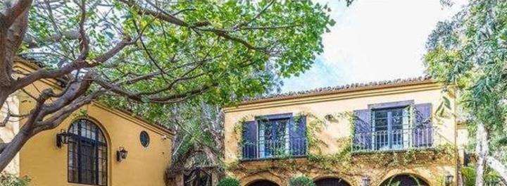 Charlie Sheen Sells Second Mansion For $5.4 Million