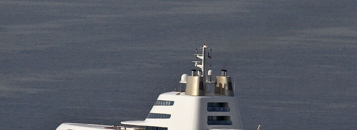Russian Billionaire Selling $300 Million Luxury Yacht – After Building Another For $450 Million!