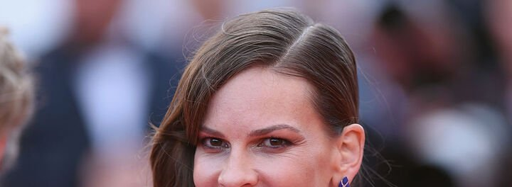 Hilary Swank Shows Us That Hollywood Isn't Immune To The Gender Wage Gap Issue