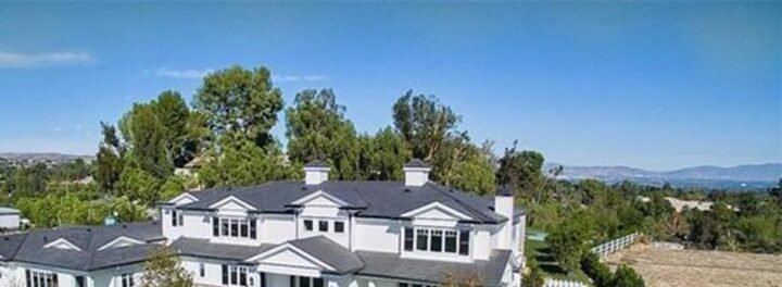 Kylie Jenner Buys $12 Million Hidden Hills Mansion