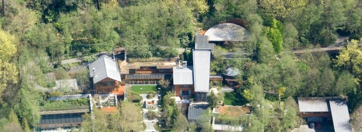 The Crazy Tech In Bill Gates' $125 Million Mansion