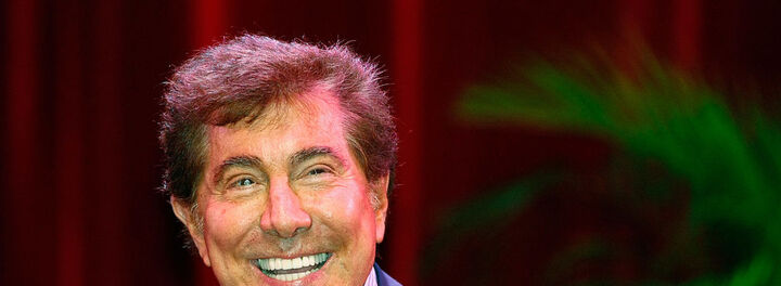 The Story Of How Steve Wynn's Elbow Ending Up Costing Him $139 Million