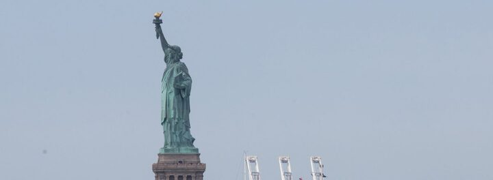 Oil Billionaire Eugene Shvidler Angers Many By Parking His Huge Yacht In Front Of The Statue Of Liberty