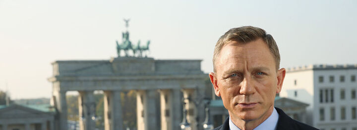 Daniel Craig Finally Agrees To Come Back As Bond - For A Reported $135M