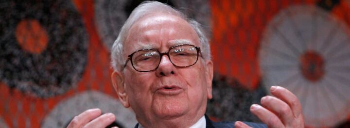 $4 Billion Cut From Warren Buffett's Berkshire Hathaway After Apple Stock Is Decimated
