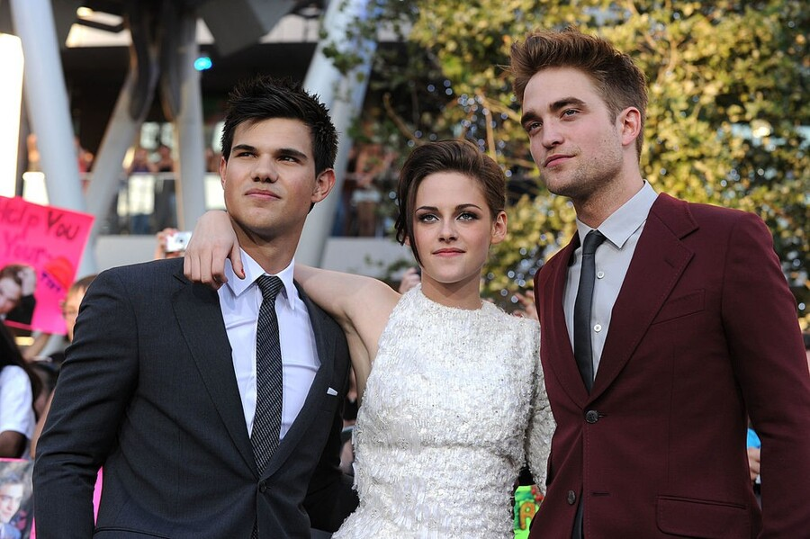 How Much Do The Twilight Actors Make