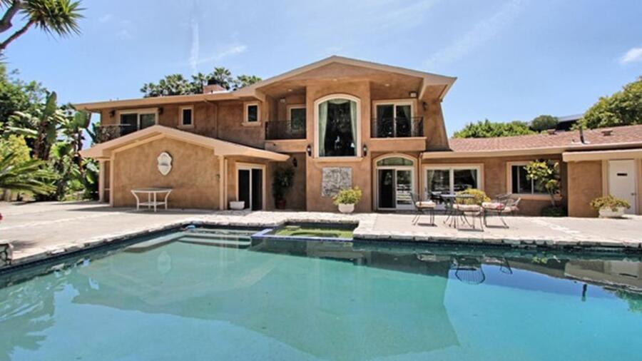 la-fi-hotprop-reggie-bush-house-20151030-photo-034