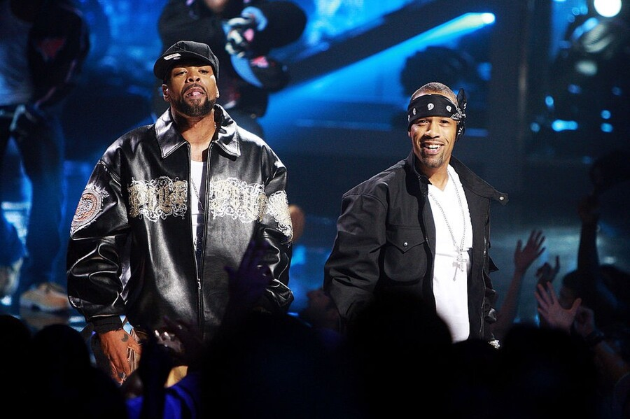 NEW YORK - SEPTEMBER 23: Rappers Method Man (L) and Redman perform onstage at the 2009 VH1 Hip Hop Honors at the Brooklyn Academy of Music on September 23, 2009 in the Brooklyn borough of New York City. (Photo by Stephen Lovekin/Getty Images)