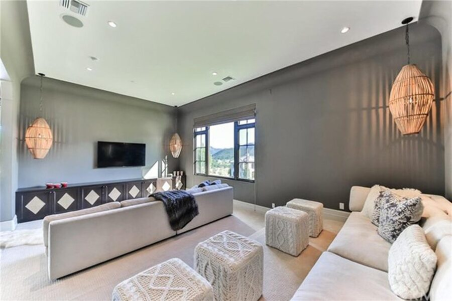 Britney-Spears-Home-For-Sale-In-Thousand-Oaks-CA-Den
