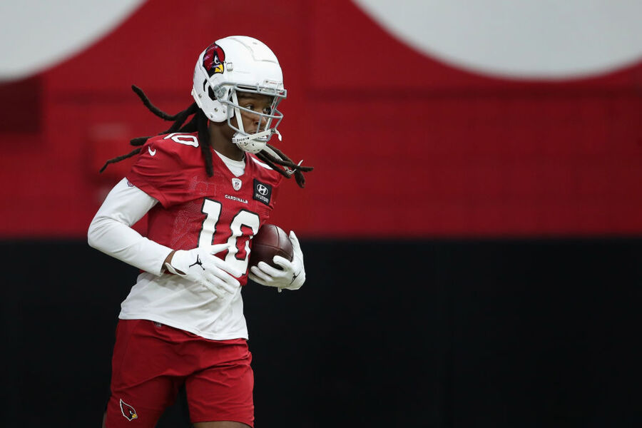 Cardinals signing DeAndre Hopkins to two-year, $54.5M extension
