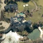 Papa John Schnatter's $700 Million Fortune Bought This Insane 40,000 Square Foot Kentucky Mansion