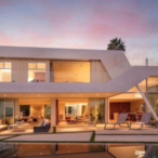 Jeremy Piven Dropped $6.8 Million On Glass-Walled Home In Hollywood Hills
