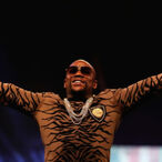 Wait Till You Hear How Much Floyd Mayweather Pays His Chef... PER MEAL!