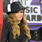 Lisa Marie Presley Suing Business Managers For Squandering $100 Million