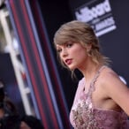 Is Taylor Swift On The Verge Of Signing A 9-Figure Contract?