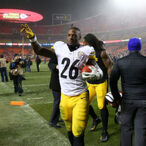 Le'Veon Bell Has Now Given Up More Money Than Any Other Running Back Will Make This Season
