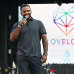 """Alfonso Ribeiro Is Suing Epic Games For Unauthorized """"Carlton Dances"""" In 'Fortnite'"""