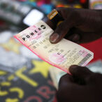 $768 Million Powerball Jackpot Winner Had Less Than $1,000 In His Bank Account Before Winning