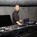 Calvin Harris Is Still The Richest DJ On The Planet, But He's No Longer The Highest Paid!