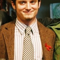 Elijah Wood's House:  Frodo Leaves Santa Monica for Multiple Production Locations