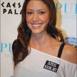 Shannon Elizabeth's House:  The Former Actress and Current Card Shark Bets on a Big Sale