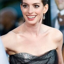 Anne Hathaway's House:  $4 Million is Too Much to Spend on a Walk-In Closet