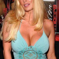 Jenna Jameson Endorses Mitt Romney For President