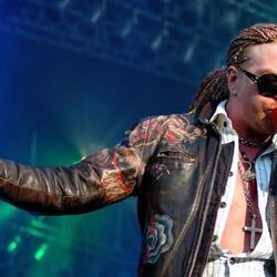 Axl Rose Sues Sabotaging Manager For $5 Million
