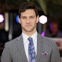 Justin Bartha Net Worth