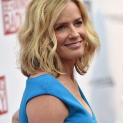 Elisabeth Shue Net Worth