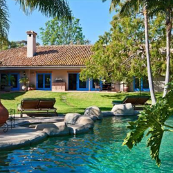 "Linda Hamilton's Home: The Actress Says ""Hasta La Vista"" to Her $5.495 Million Home"