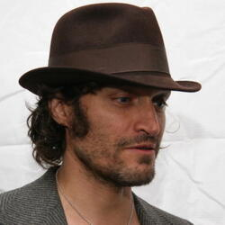 Actor/Filmmaker Vincent Gallo Suing City Of LA For 'Wasteful Spending'