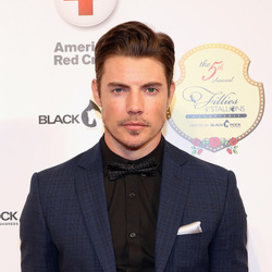 Josh Henderson Net Worth