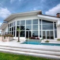 Sandra Bullock's House: America's Sweetheart Sells Her Home in the Heartland