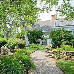 Kirstie Alley's House:  Some Actresses Just Can't Catch a Break