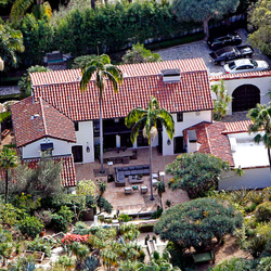 Robert Pattinson's House: I'm Going!  And I'm Taking My House With Me!