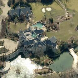 Papa John Schnatter's $600 Million Fortune Bought This Insane Mansion