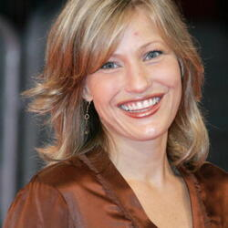 Joey Lauren Adams Net Worth