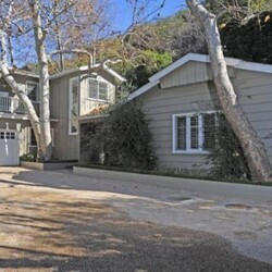 Billy Bob Thornton's House:  The Former Mr. Angelina Jolie Buys a Secluded Home in LA