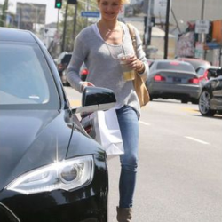Cameron Diaz's Car:  She's Not Just Another Pretty Face