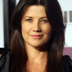 Daphne Zuniga Net Worth