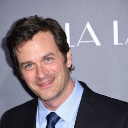 Tom Everett Scott Net Worth