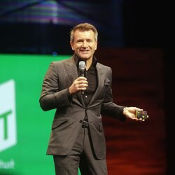 How Robert Herjavec Escaped Communism to Become A Shark Tank Centi-Millionaire