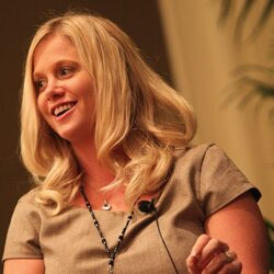 This 29 Year Old Farm Girl Is About To Takeover Warren Buffett's $300 Billion Corporate Empire