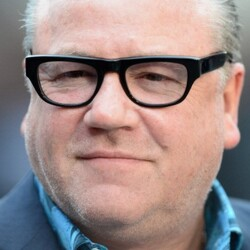 Ray Winstone Net Worth