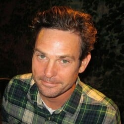 Henry Thomas Net Worth