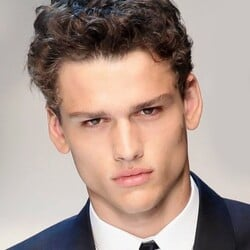 Simon Nessman Net Worth
