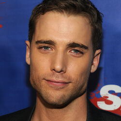 Dustin Milligan Net Worth