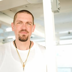 Steve Howey Net Worth